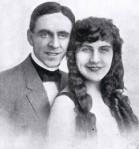 Armstrong & Howarth -cu [AV 1 Sept 1915 cover]