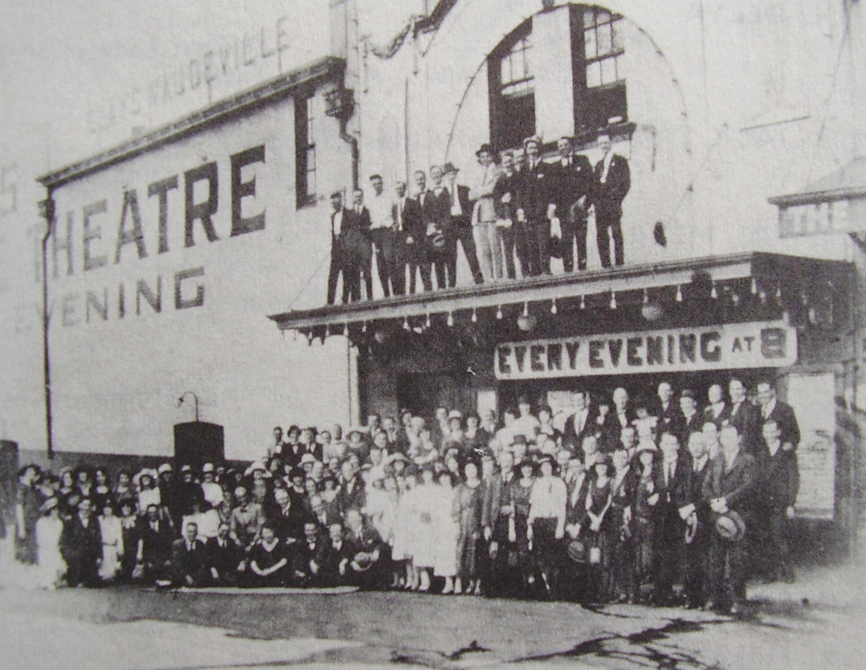 vaudeville variety theater In the 1850s and 1860s straight variety grew much of the programming in the early period of american radio sounded like the popular vaudeville theatre circuit.